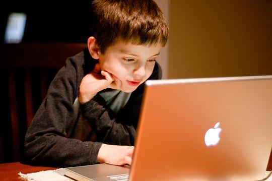 Gyerekek az online világban: tiltsuk, tűrjük, támogassuk? |Happy ...